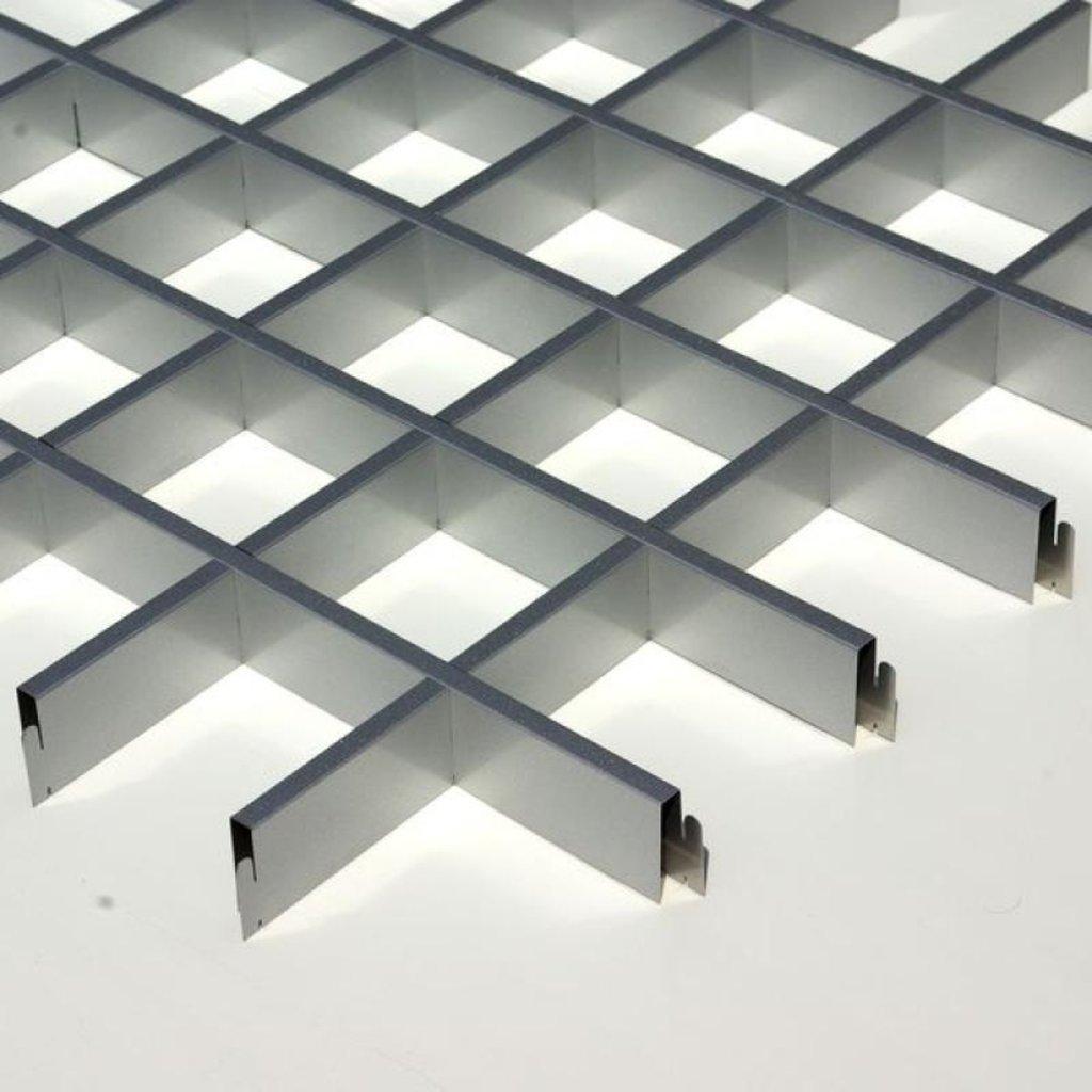 Потолки грильято: Потолок Грильято 100x100 h=40 серебристый металик RAL 9007 (Cesal) в Мир Потолков