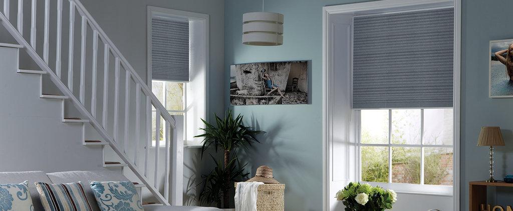 Шторы плиссе: Шторы плиссе с электроприводом на вертикальные окна (до 15°) в Салон штор, Виссон