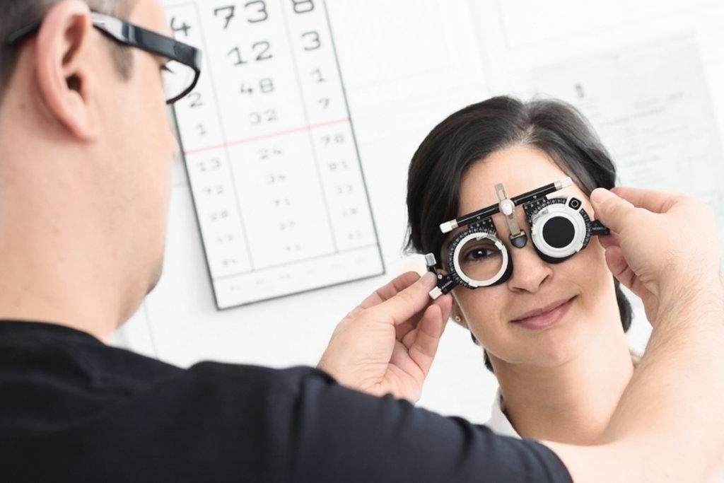 Медицинские услуги: Подбор очков в Вологодский центр лазерной коррекции зрения, ООО
