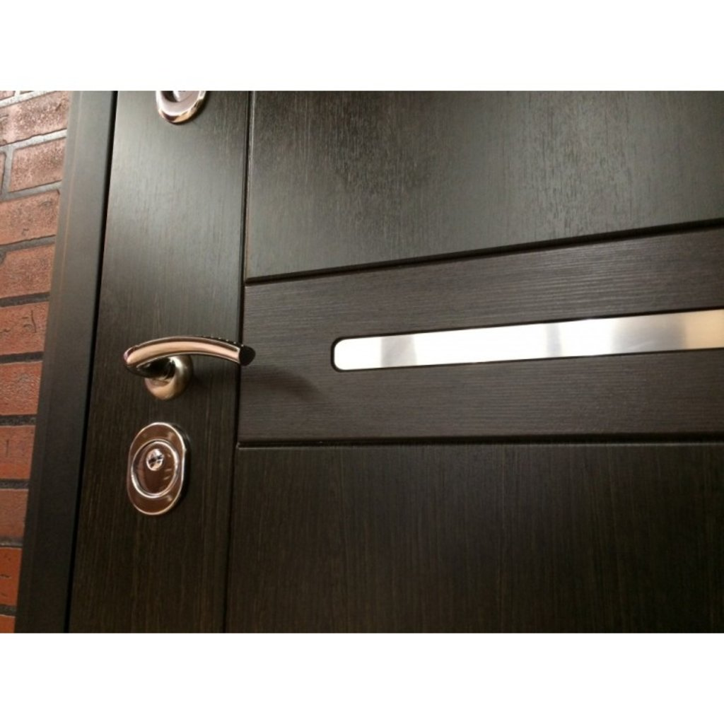 Входные двери (премиум)  от 90-110мм: Входная дверь  Европа в Пластиковые окна в Сургуте STEKLOMASTER