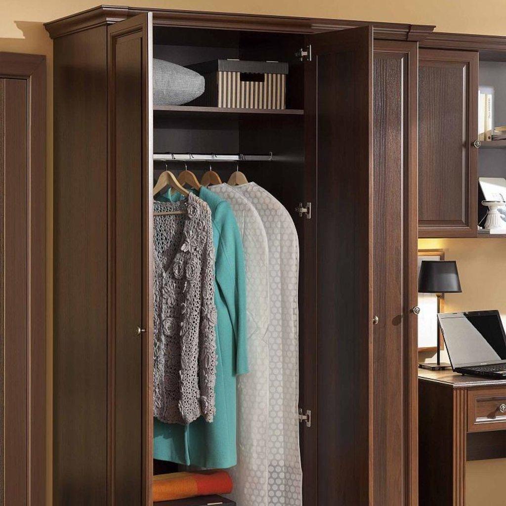 Шкафы для одежды и белья: Шкаф для одежды 3 Montpellier в Стильная мебель
