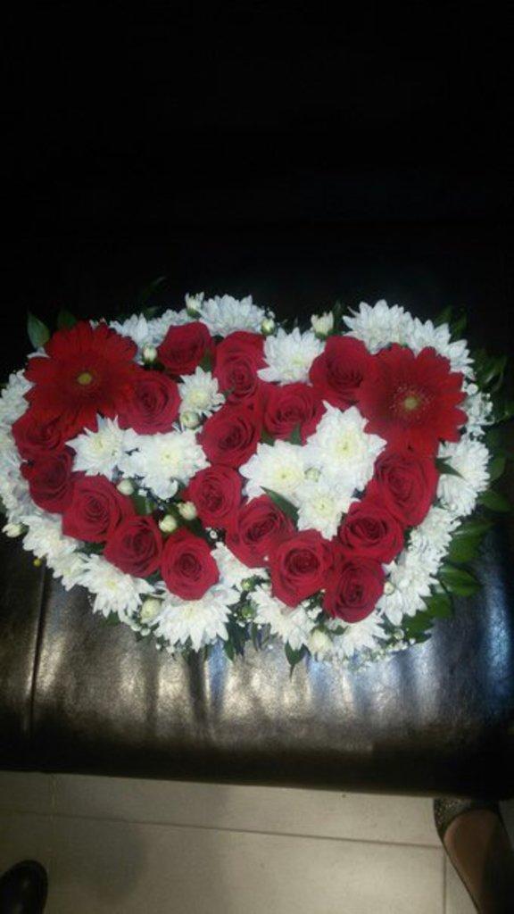 """Композиции из живых цветов: Композиция """"Два Сердца """" в Николь, магазины цветов"""