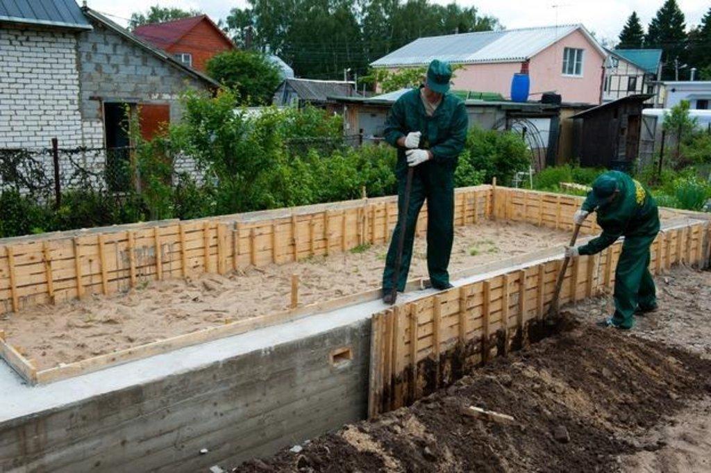 Бетонные работы-фундамент: Снятие опалубки в А-Строй