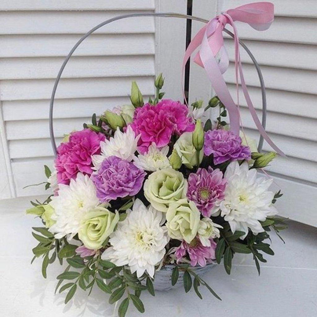 Композиции в корзинах: Корзинка цветов в Первый цветочный