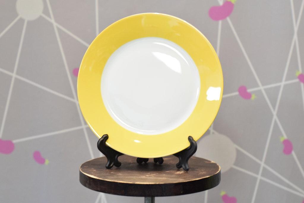 """Декоративные тарелки: Тарелка керамическая белая с каймой """"Цветная"""" в Баклажан  студия вышивки и дизайна"""