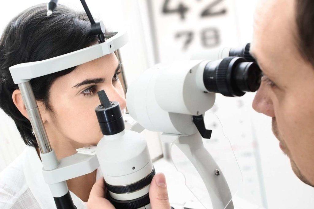 Коррекция зрения: Компьютерное исследование глаз в Вологодский центр лазерной коррекции зрения, ООО