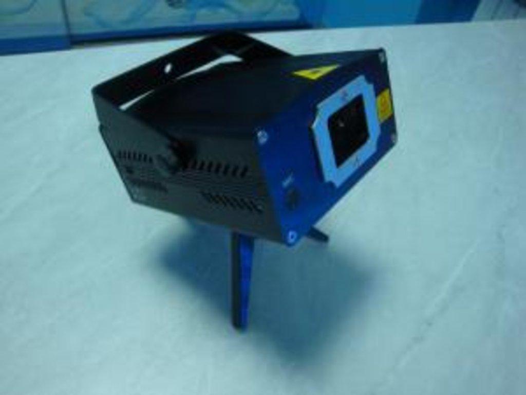 Новогодняя иллюминация: Лазерный проектор S-D012 в СВЕТОВОД