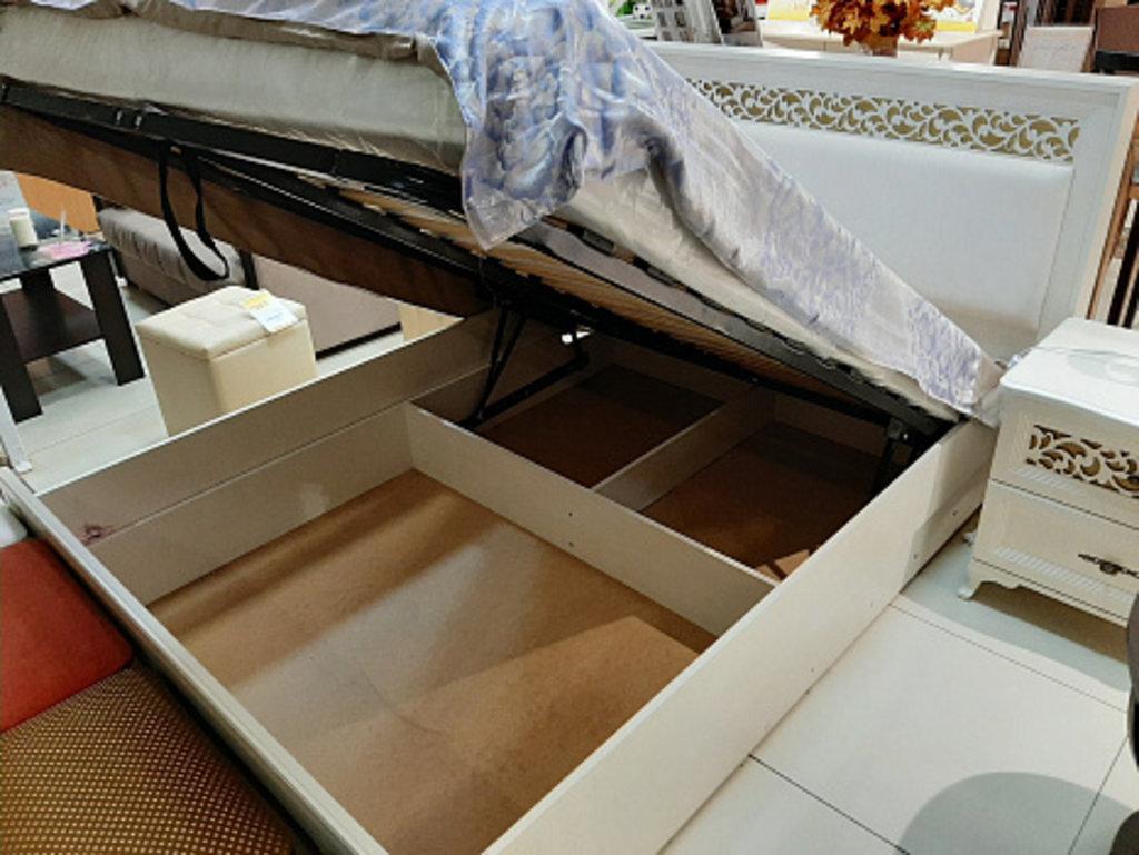 Спальни: Ливадия Л8а Кровать 140*200 см без ортопеда, без матраса в Диван Плюс