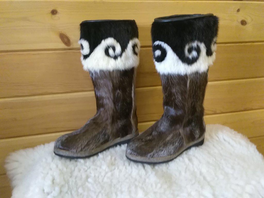 Унты, сапоги женские: Унты женские из камуса Северного оленя орнамент из меха норки в Сельский магазин