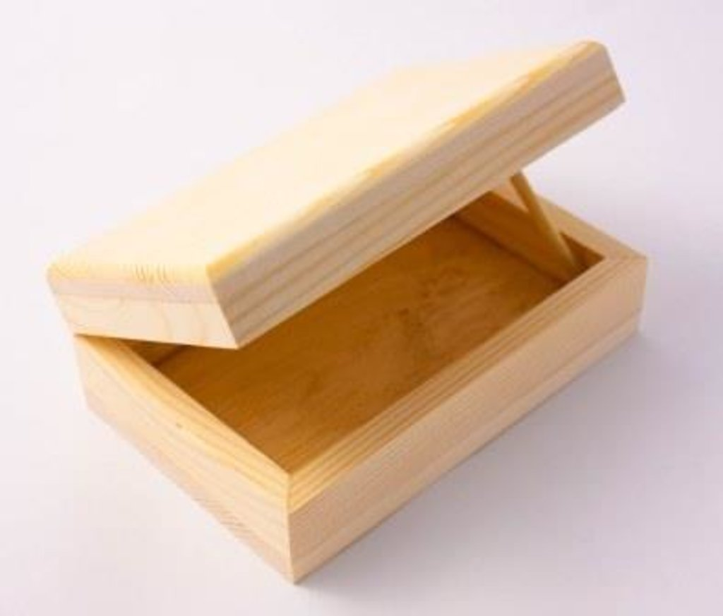 Шкатулки: Шкатулка деревянная 15*10*5.5см из массива в Шедевр, художественный салон