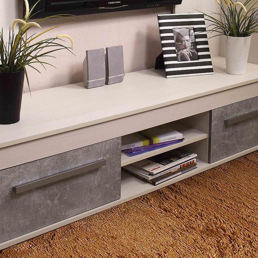 Тумбы и стойки под телевизор и аппаратуру: Тумба ТВ Леон 3 в Стильная мебель