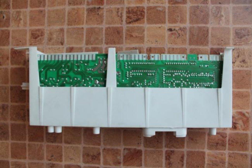 Электронные блоки управления: Электронный модуль управления для стиральной машины Indesit (Индезит), Ariston (Аристон) 080668 в АНС ПРОЕКТ, ООО, Сервисный центр