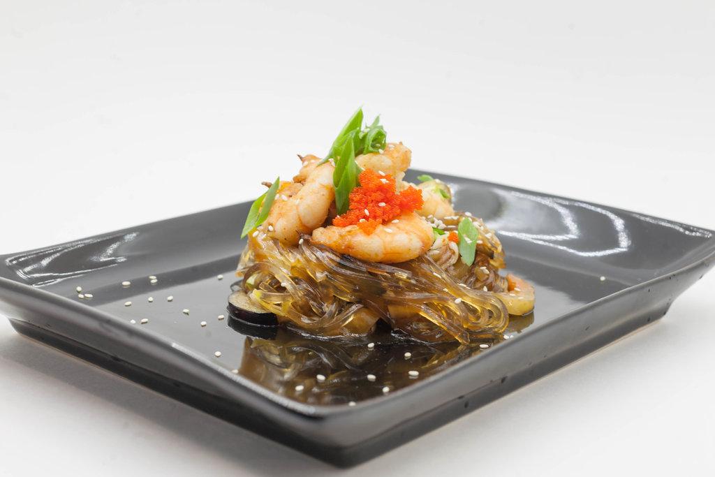 Wok: Лапша с креветками в Tokio