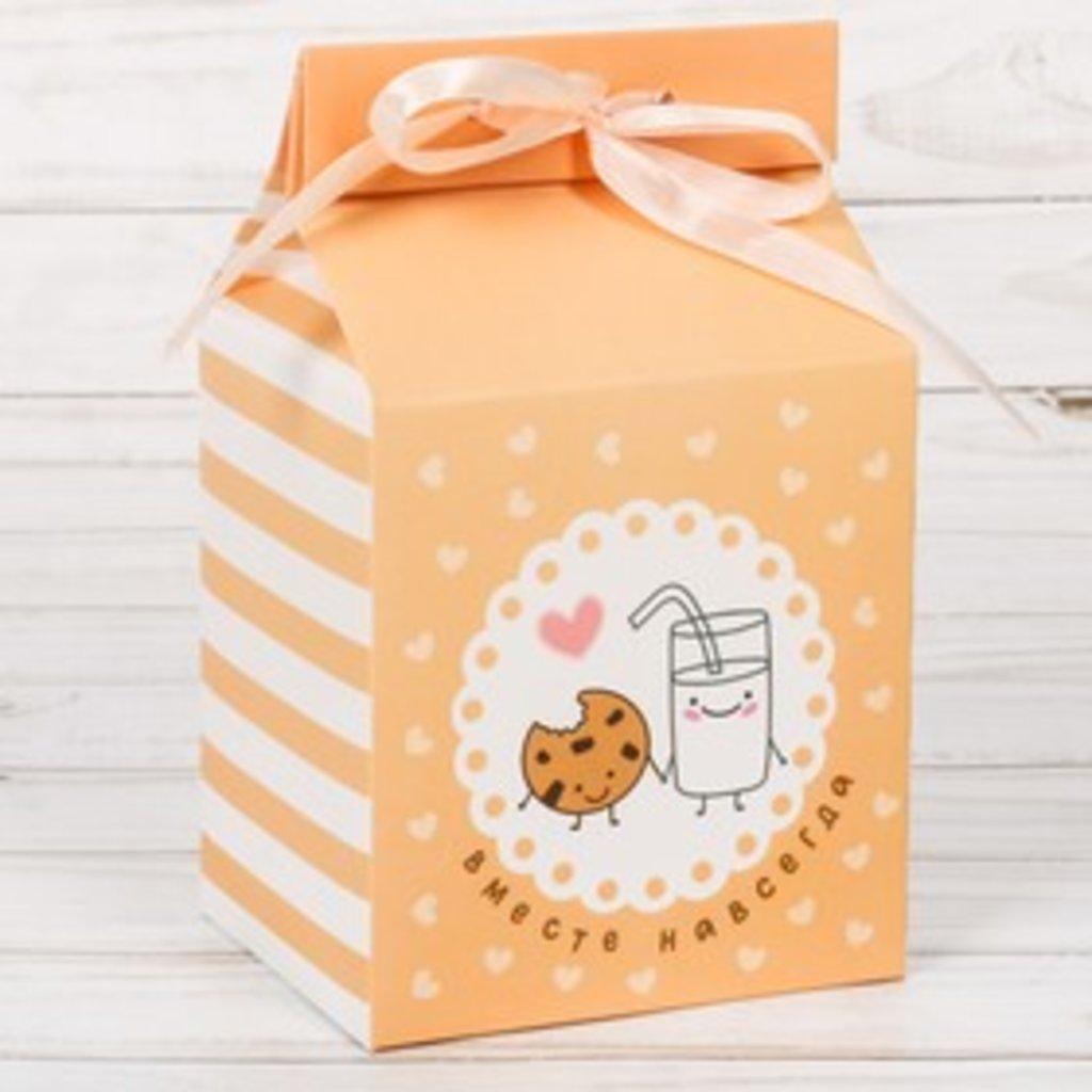 """Коробки для кондитерских изделий: Упаковка для кондитерских изделий """"Вкусности"""", 8 × 10 × 16 в ТортExpress"""