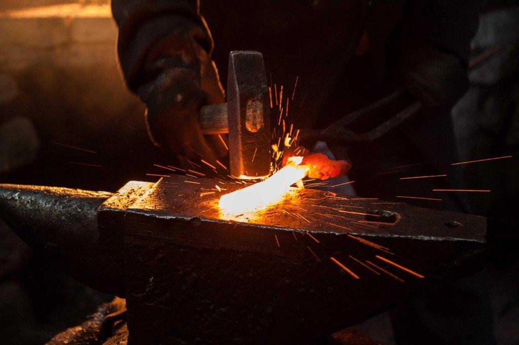 Обработка металла: Кузнечные работы в ЖБИ и К