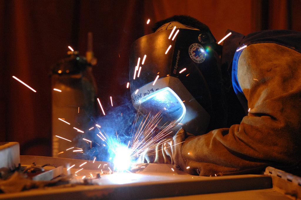 Обработка металла: Электродуговая сварка в ЖБИ и К