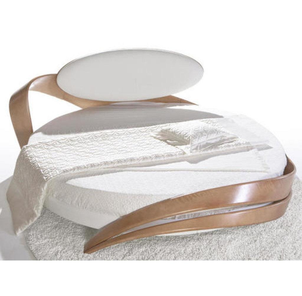 Кровати: Круглая кровать Бразо 61т в Актуальный дизайн