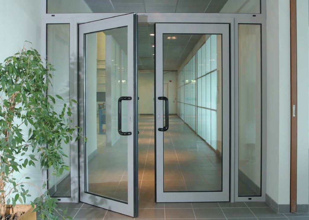 Двери: Алюминиевые двери в ТАЛАН СЕРВИС, ООО