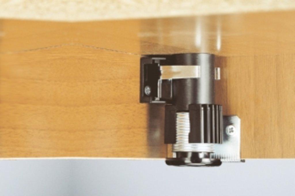 Аксессуары: Адаптер для ножек серии 300 в МебельСтрой
