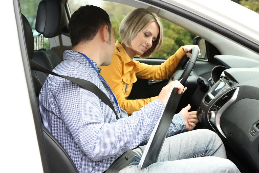 Автошкола: Обучение вождению в Авто-Профи, автошкола