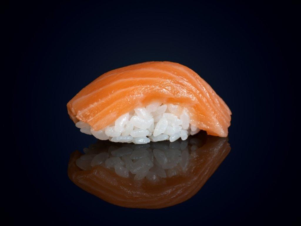 Суши и гунканы: Суши сяке в МЭСИ суши&роллы