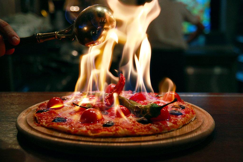 Ресторан: Огни Сухоны пицца в Огни Сухоны, развлекательный центр