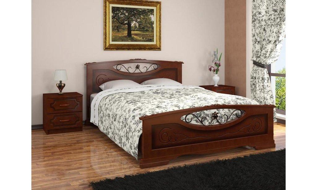 Кровати: Кровать Елена-5 с элементами художественной ковки (массив) в Уютный дом